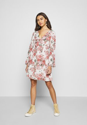 VILULU TIE DRESS - Day dress - cloud dancer