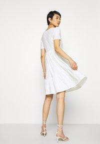 Vila - VIKAWA FESTIVAL TIE DRESS - Vestido informal - snow white