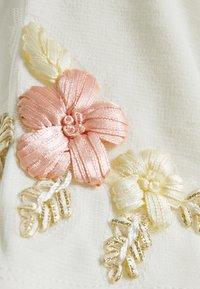 Vila - VITINNY FLOWER DRESS - Jerseyjurk - cloud dancer/pink - 2