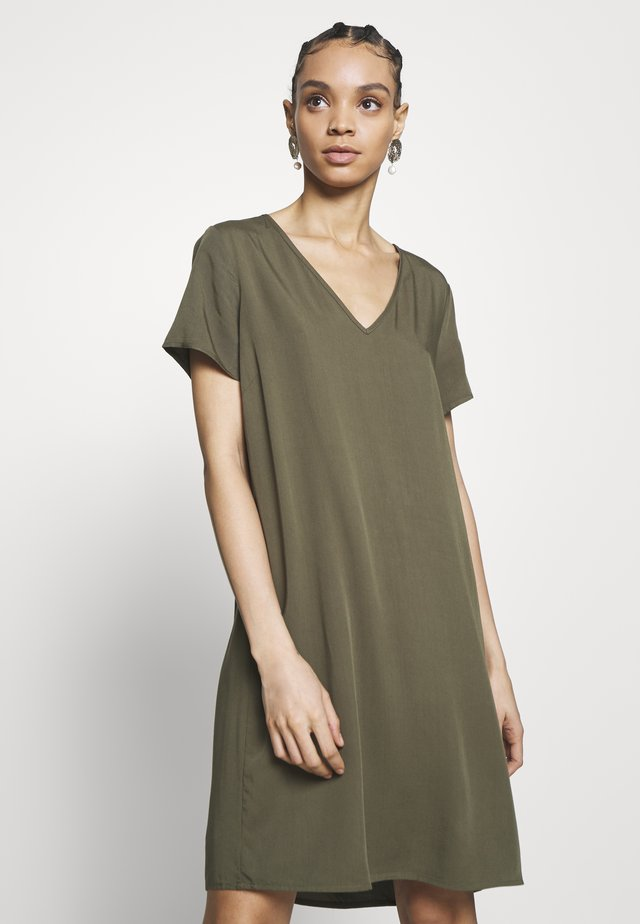 VISOMMI DRESS - Korte jurk - ivy green
