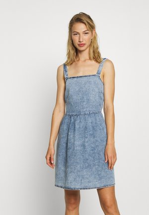 VICLASH SHORT STRAP DRESS - Vestido vaquero - light blue denim/stonewash