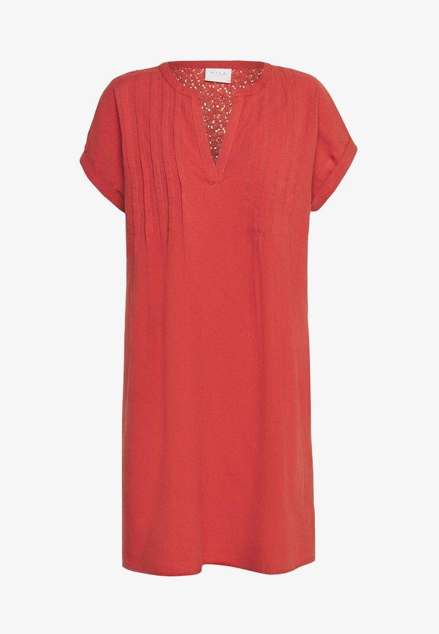 VIODILA DRESS - Korte jurk - dusty cedar