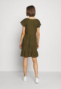 Vila - VINASRIN VNECK DRESS - Korte jurk - dark olive - 2