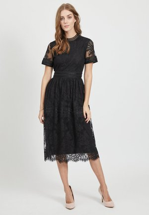 MIDIKLEID KURZÄRMELIGES SPITZEN - Cocktailklänning - black