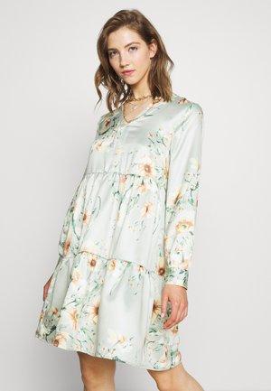 VIFLASH CUTLINE DRESS - Kjole - cameo green