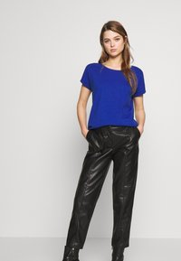 Vila - VIDREAMERS PURE  - T-shirt - bas - mazarine blue - 1