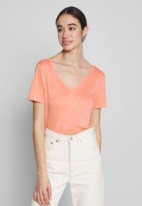 Vila - VINOEL  - T-shirt basic - desert flower - 0