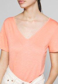 Vila - VINOEL  - T-shirt basic - desert flower - 5