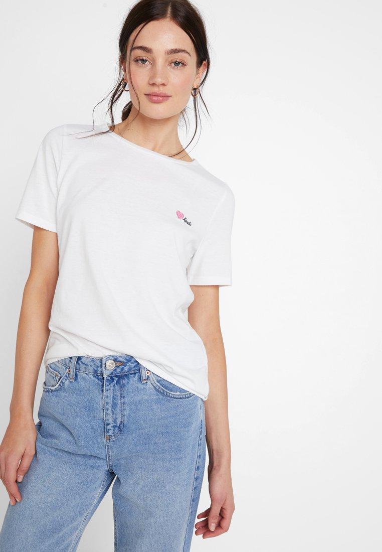 Vila - VIHEARTBEAT - Print T-shirt - snow white