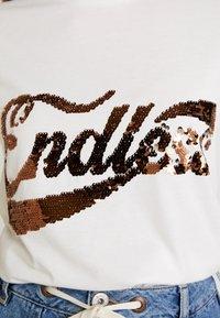 Vila - VIPAIGE - Print T-shirt - cloud dancer/endless - 4