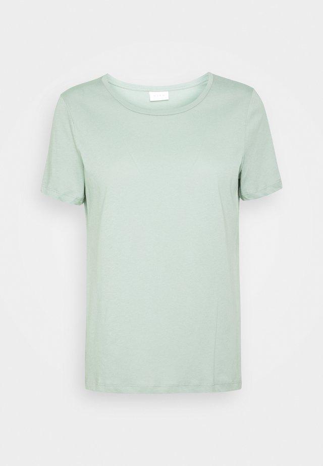 VISUS  - T-shirt basic - green milieu