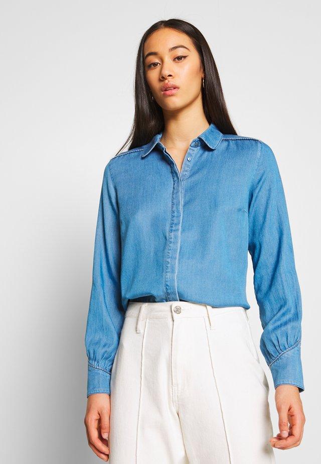 VIMAKENNA - Button-down blouse - medium blue denim