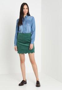 Vila - VIBISTA  - Button-down blouse - medium blue denim - 1