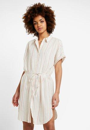 VILURANA DRESS - Košilové šaty - sandshell