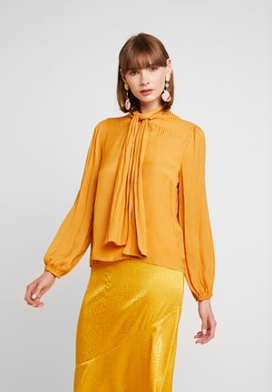 Blouse - golden oak