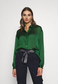 Vila - VISUWAVEY  - Button-down blouse - eden - 0