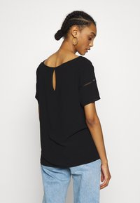 Vila - VIMERO DETAIL TOP - Blouse - black - 2