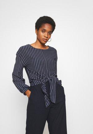 VIBUBA - Bluse - navy blazer/white
