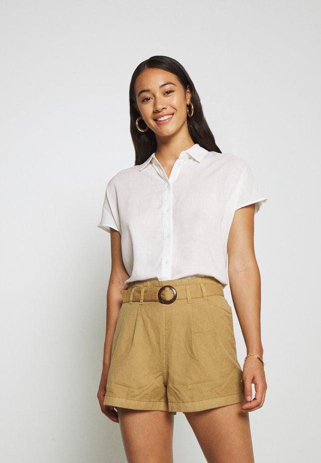VILALINA CAMP - Button-down blouse - cloud dancer