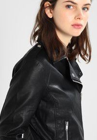 Vila - VICARA FAUX JACKET - Faux leather jacket - black - 3