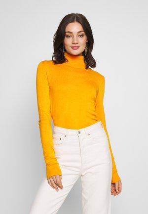 VIBOLONIA ROLLNECK - Pullover - apricot