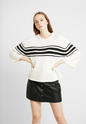 Trui - whisper white/black