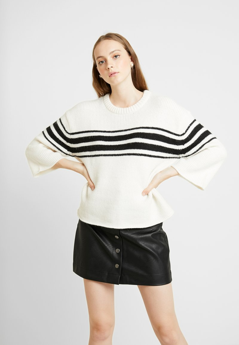 Vila - VIKINDA O NECK  - Strickpullover - whisper white/black