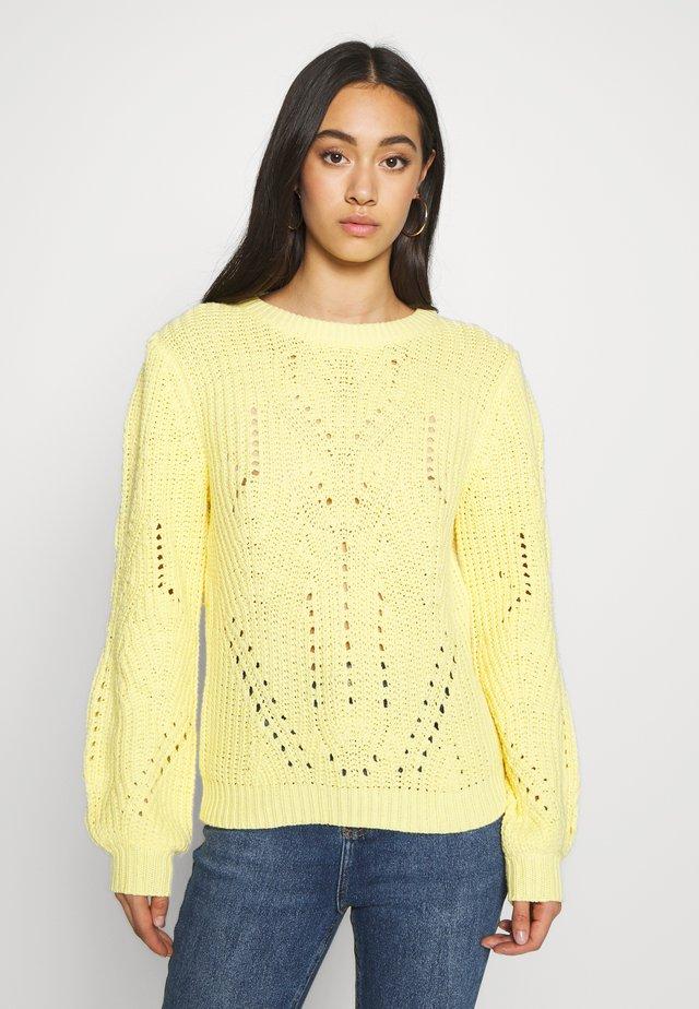 VIWISHI O-NECK - Stickad tröja - mellow yellow