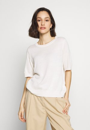 VIMANA KNIT O-NECK 1/2 SLEEVE TOP - T-shirts - white alyssum