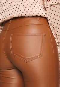 Vila - VICOMMIT  - Pantalones - rawhide - 5