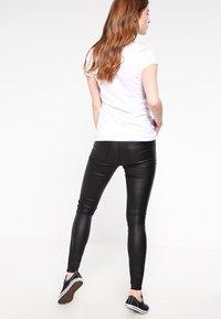 Vila - VICOMMIT  - Pantalones - black - 2