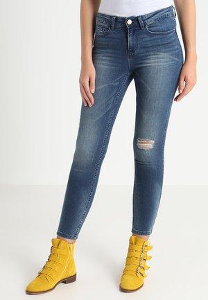 VICOMMIT FELICIA 7/8 - Slim fit jeans - medium blue denim