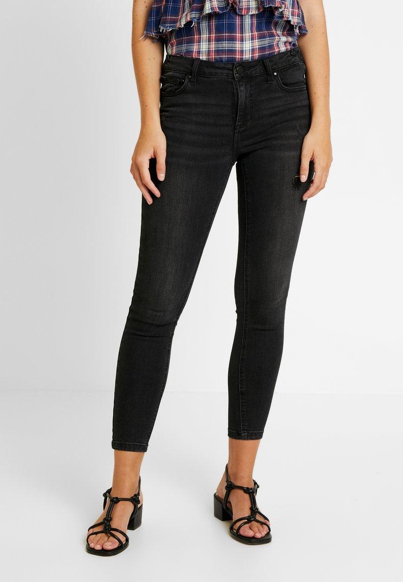 Vila - VICOMMIT 7/8 PUSHUP WASH - Jeans Skinny Fit - black