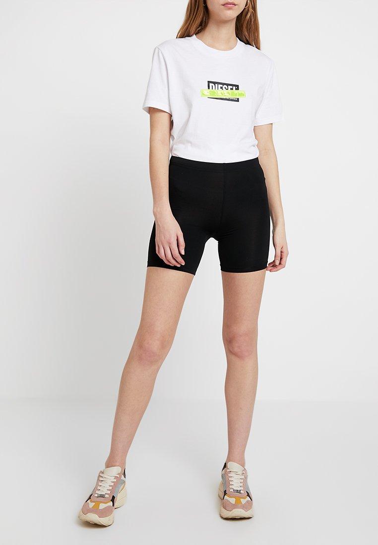 Vila - VISURFACE - Shorts - black