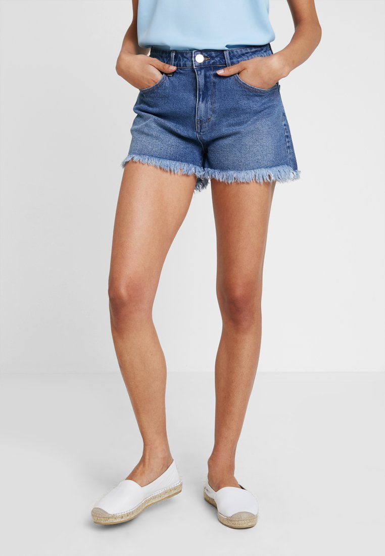 Vila - VISOMMER CUT OFF - Jeans Shorts - medium blue denim