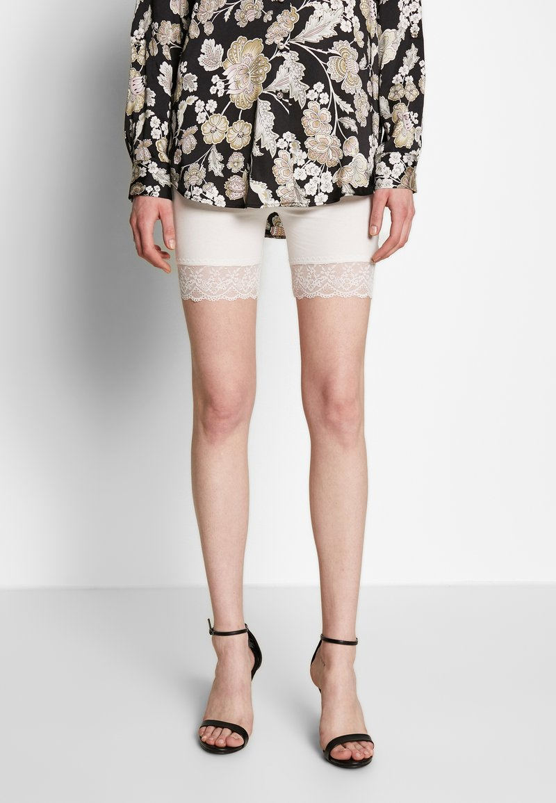 Vila - Shorts - snow white