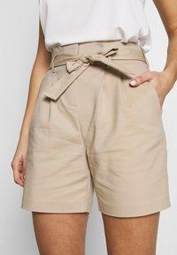 Vila - VISOFINA HWRE SHORTS - Shorts - beige - 3