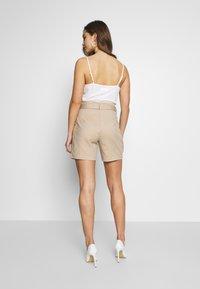 Vila - VISOFINA HWRE SHORTS - Shorts - beige - 2