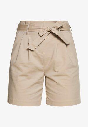 VISOFINA HWRE SHORTS - Shortsit - beige