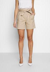 Vila - VISOFINA HWRE SHORTS - Shorts - beige - 0