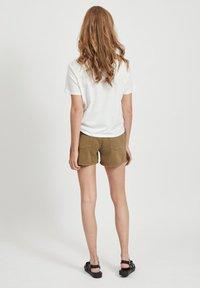 Vila - VIANNABEL  - Shorts di jeans - dark olive - 2