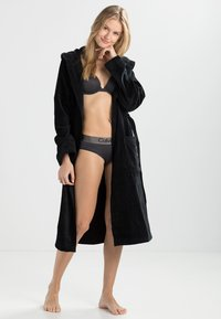 Vossen - TEXAS - Dressing gown - schwarz - 1