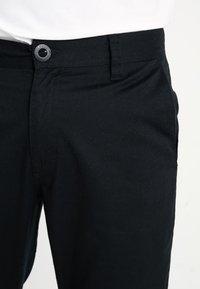 Volcom - FRICKIN MODERN STRETCH - Chino kalhoty - black - 3
