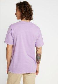 Volcom - FAUXTON TEE - Printtipaita - lavender - 2