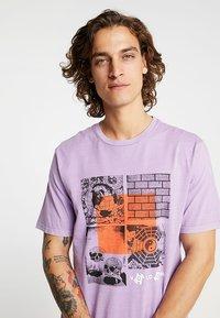 Volcom - FAUXTON TEE - Printtipaita - lavender - 3