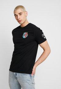 Volcom - FREAKS CITY  - Camiseta estampada - black - 2