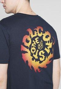 Volcom - THROTTLE - Camiseta estampada - dark blue - 3