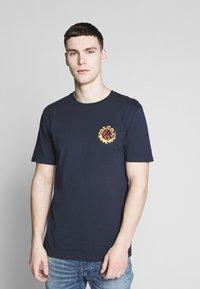 Volcom - THROTTLE - Camiseta estampada - dark blue - 0