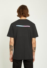 Volcom - EARTH PEOPLE - Camiseta estampada - black - 1