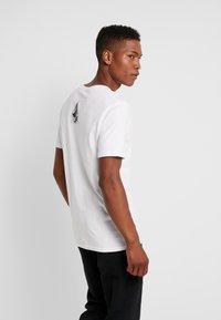 Volcom - CHOPPED EDGE - T-shirt med print - white - 2